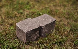 természetes kő kocka