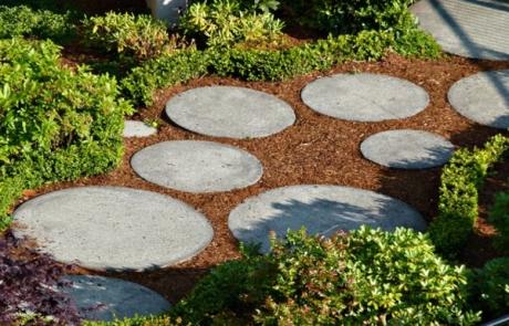 kerti út kő